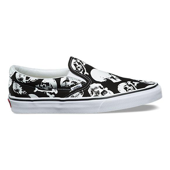 Skulls Slip On by Vans