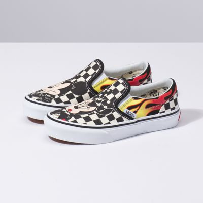 vans classic mickey mouse slip-on sneaker
