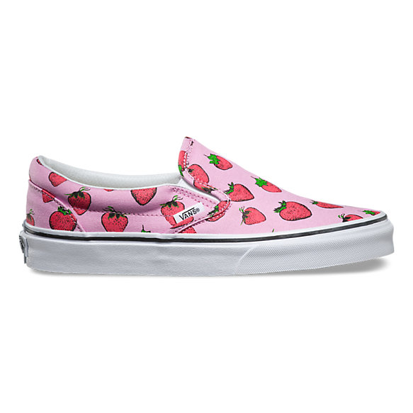 55c16cfd114971 Strawberries Slip-On