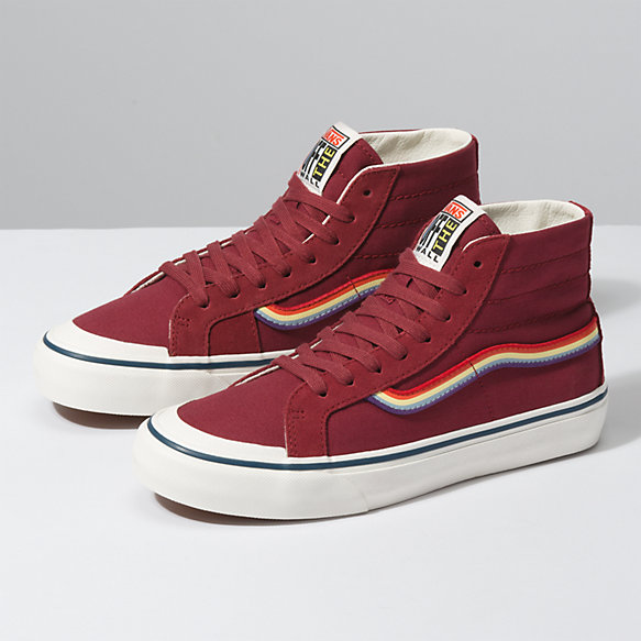Rad Rainbow Sk8-Hi 138 Decon SF
