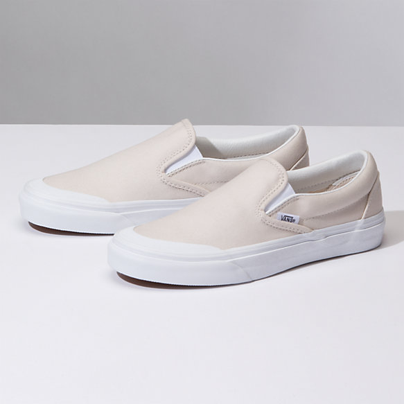 05d3e711d43 Canvas Slip-On 138