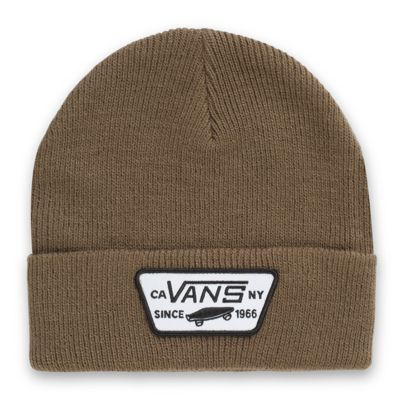 The Milford Beanie is a 100% acrylic cuff beanie with a Vans merrow-edged patch.