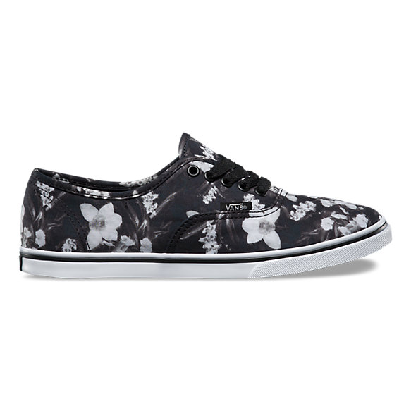 vans lo pro slip on black