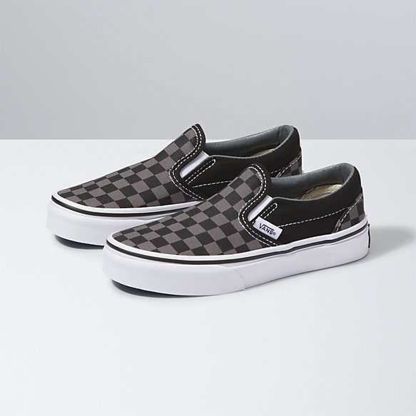 slip on vans black and white
