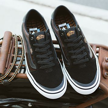 vans dakota roche